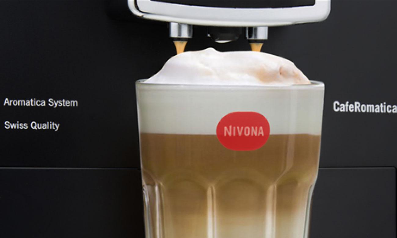 Dozownik kawy z regulacją wysokości w Nivona CafeRomatica 838