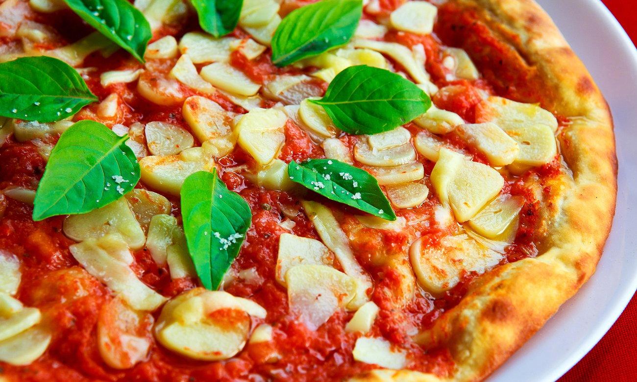 pizza zrobiona w mikrofali Amica AMG20M70GBIV