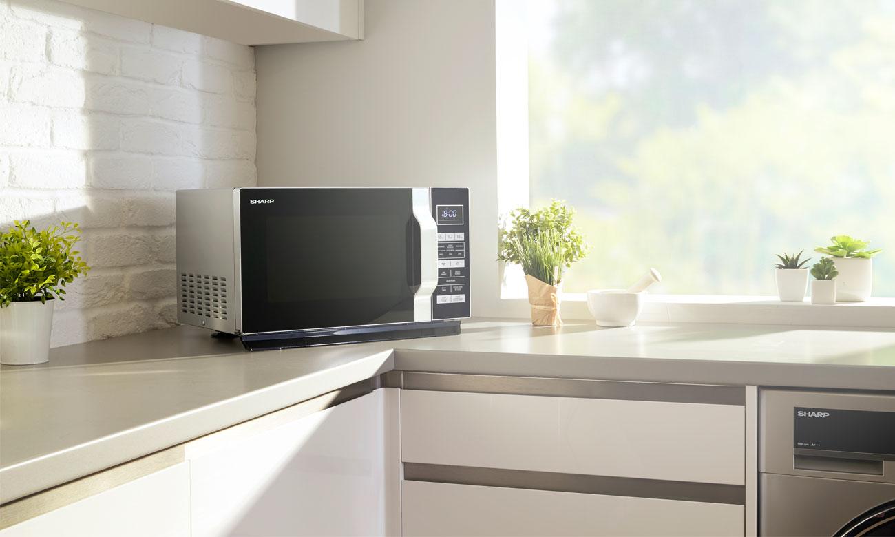 5 poziomów mocy w kuchence mikrofalowej Sharp R360BK