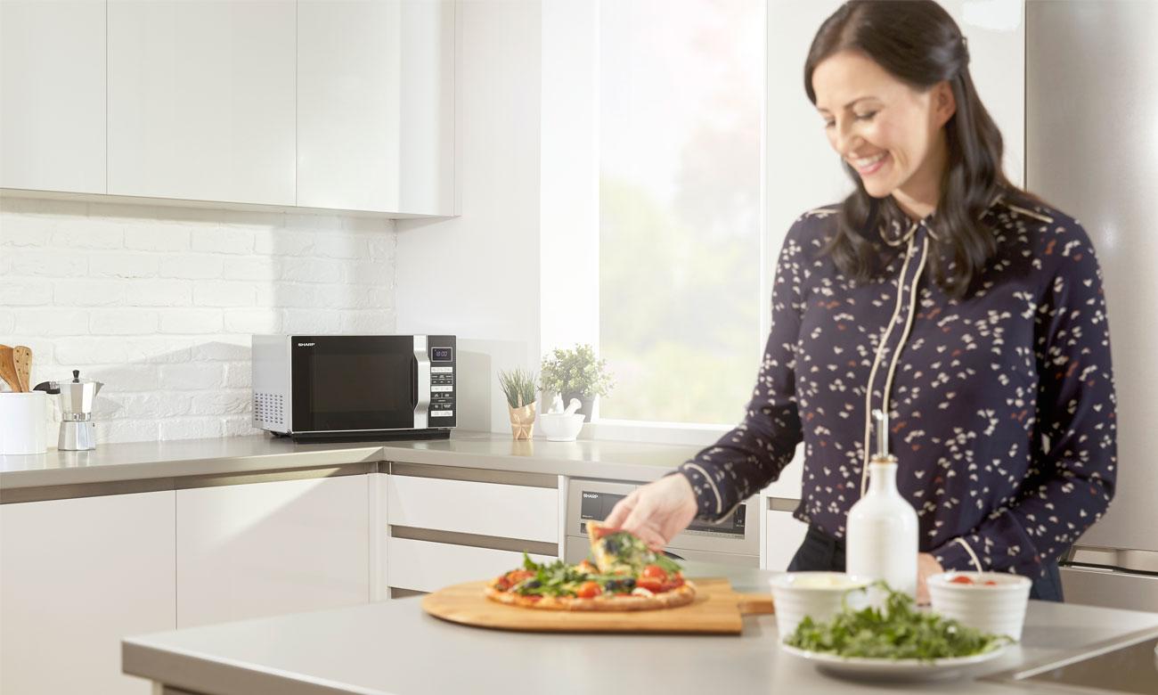 Automatyczne programy w kuchence mikrofalowej Sharp R360S