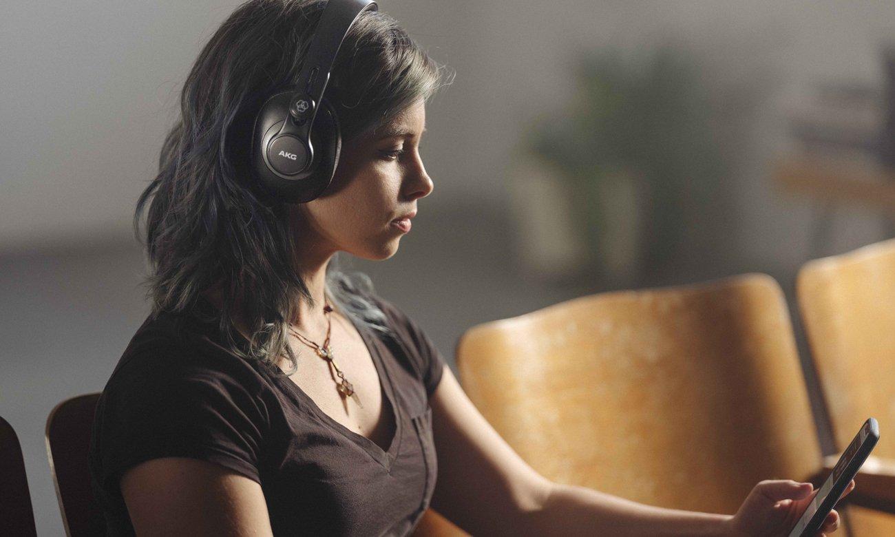 Wszecchstrone słuchawki zamknięte AKG K371BT