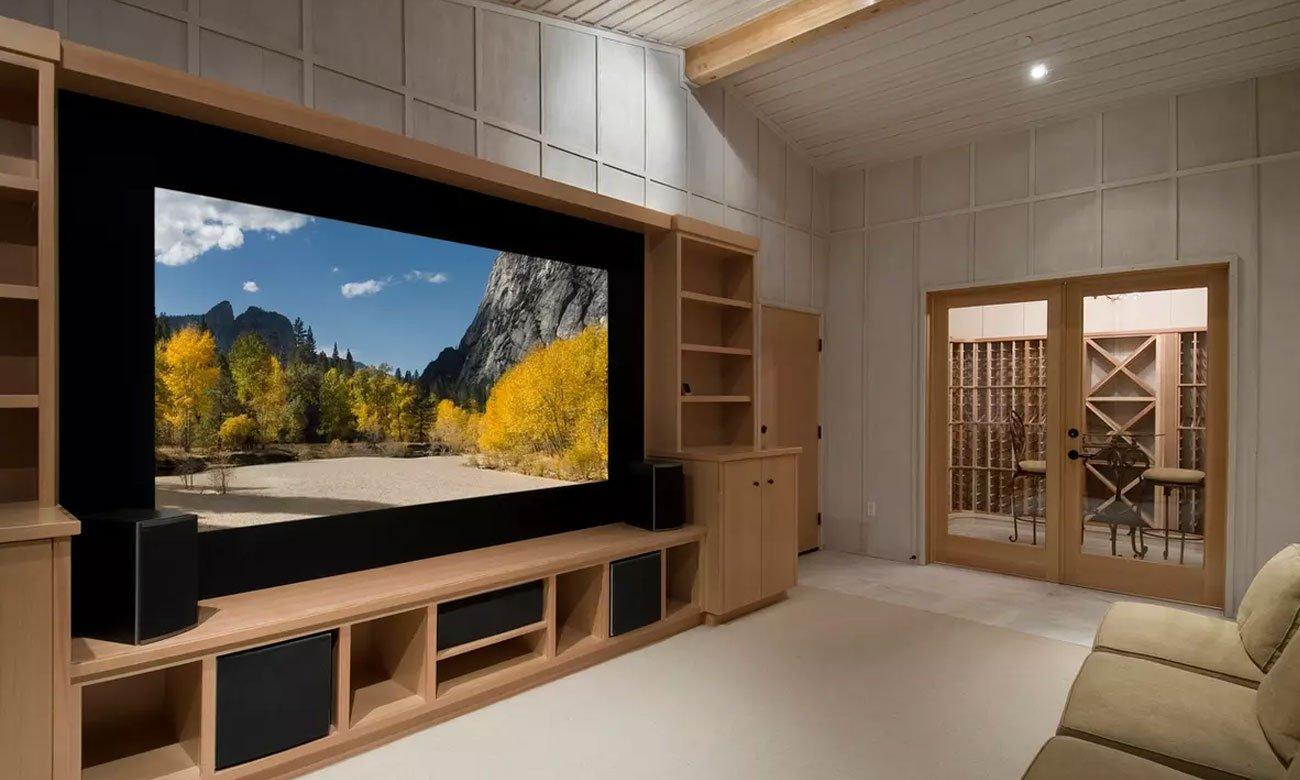 Cienka konsrukcja telewizora Manta 65LUA58L