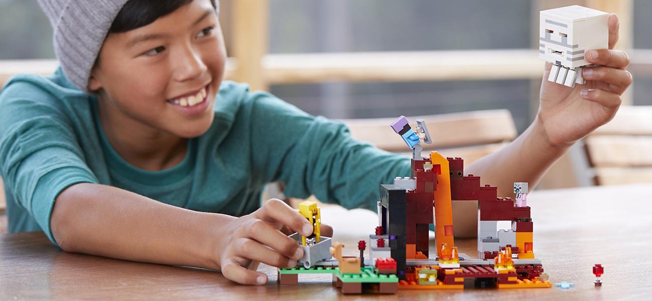 zestaw lego minecraft