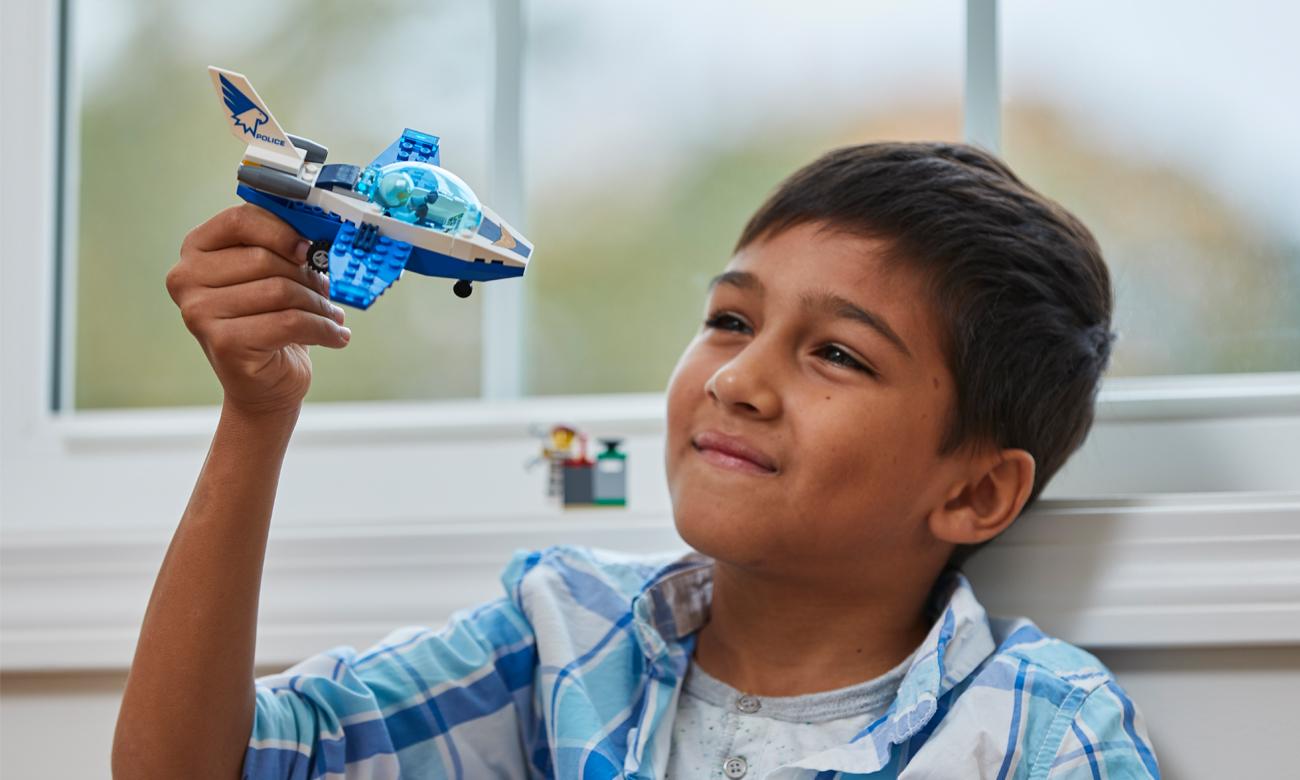zestaw lego city samolot policja