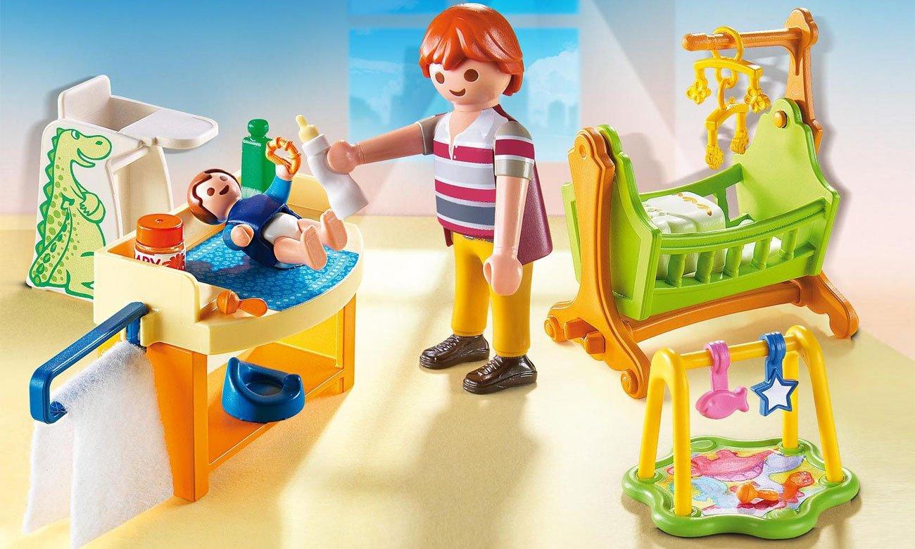 Pokój dla niemowlaka z łóżeczkiem playmobil