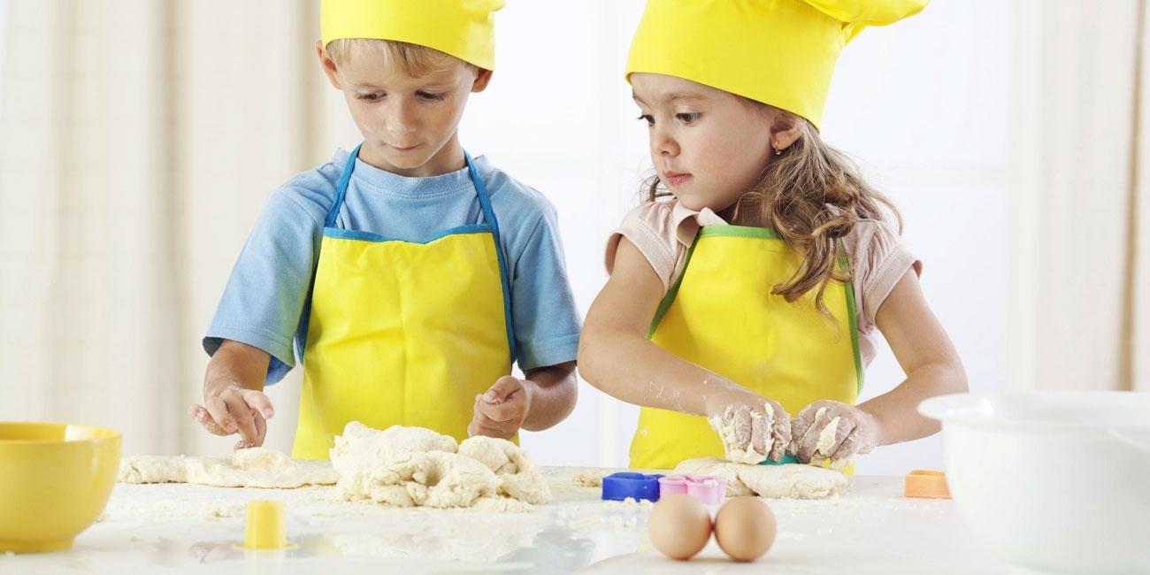 gotujące dzieci