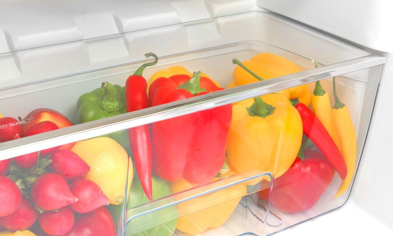 Szuflada na warzywa i owoce w chłodziarce Amica FD228.3X