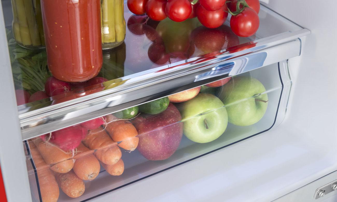 Szuflada na owoce i warzywa w lodówce Amica FK2965.3RAA RETRO