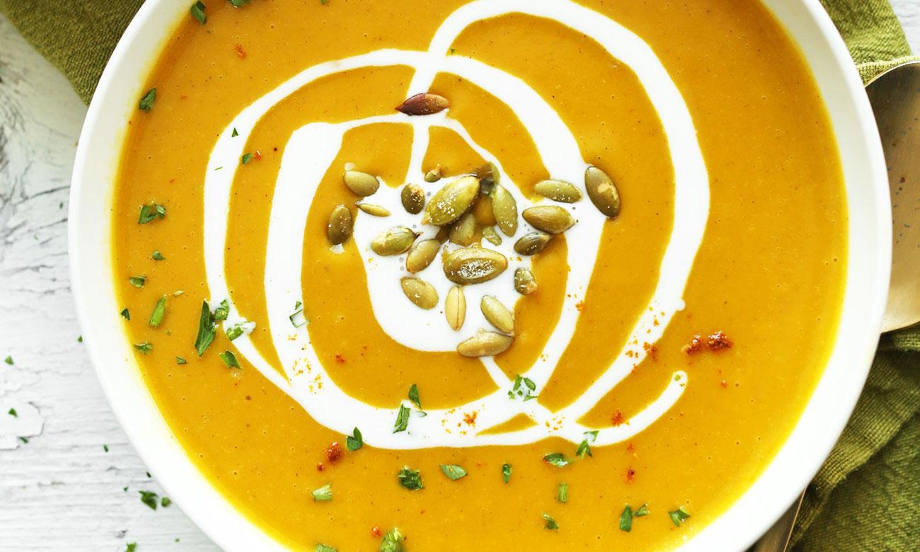 Ciepłe potrawy, dzięki funkcji podtrzymywanie ciepła w płycie Amica PIM6541SU