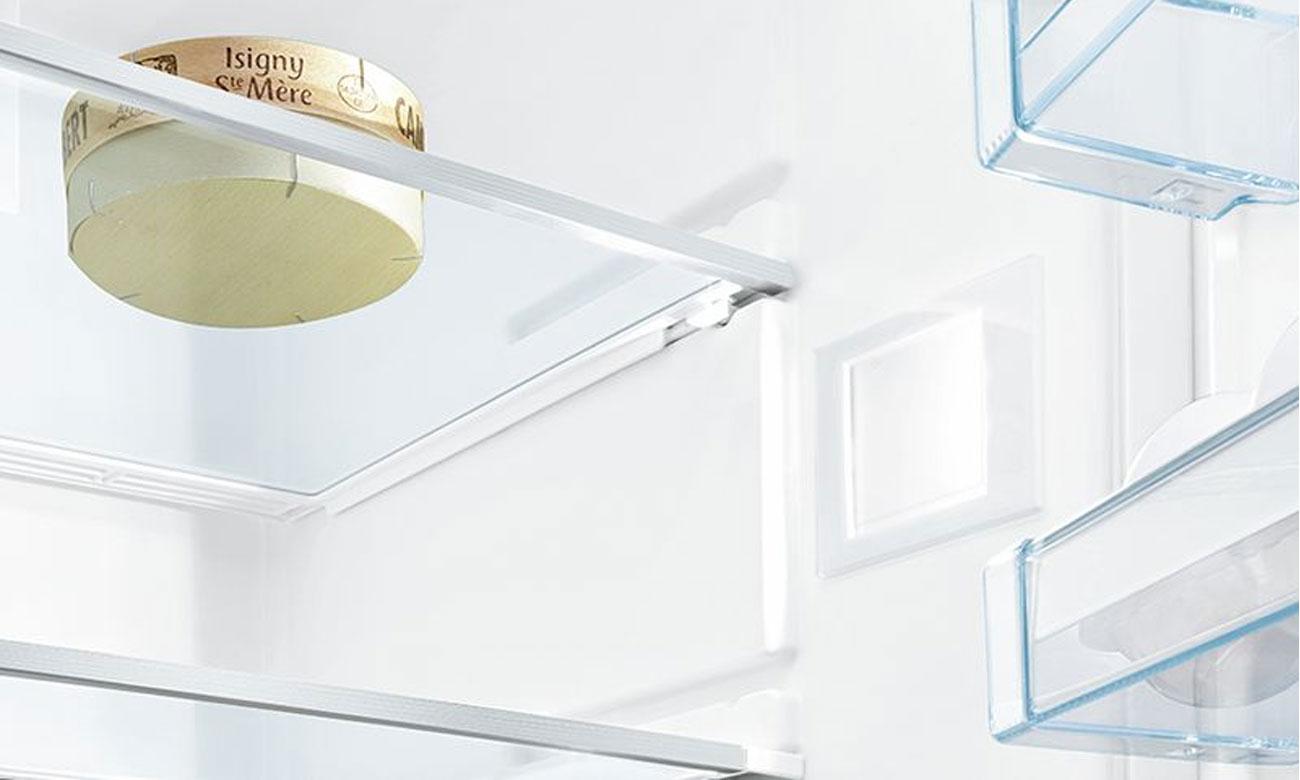 Wydajne oświetlenie LED w lodówce Bosch KGV39VL31