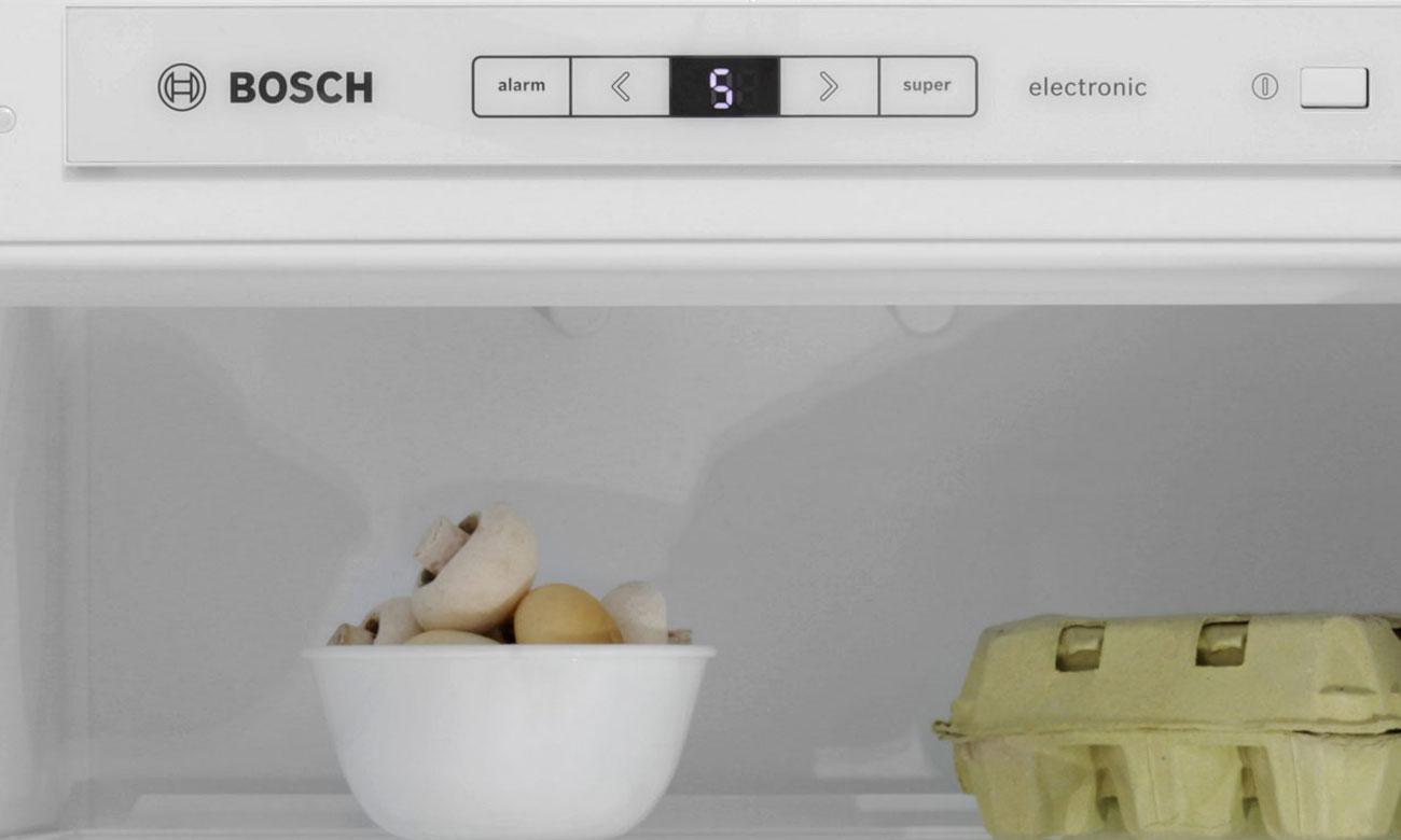 Łatwe sterowanie elektroniczne w lodówce Bosch KIN86KS30