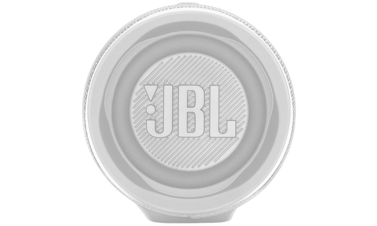 Brzmienie białego, przenośnego głośnika JBL CHARGE 4