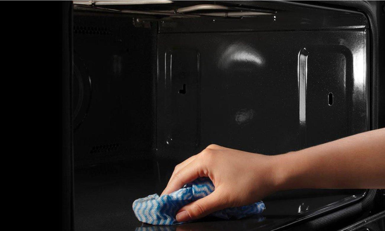 Łatwe czyszczenie, dzięki emalii łatwoczyszczącej w kuchence Amica 57GE2.33HZpTaA(Xx)