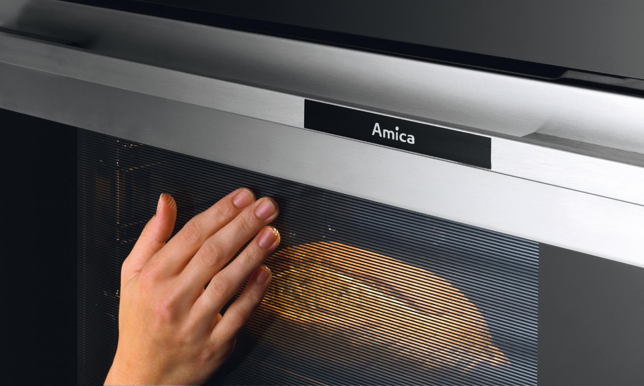 Chłodny front kuchenki Amica Linia 600 618CE3.333HQ(W) biała ceramiczna 60cm
