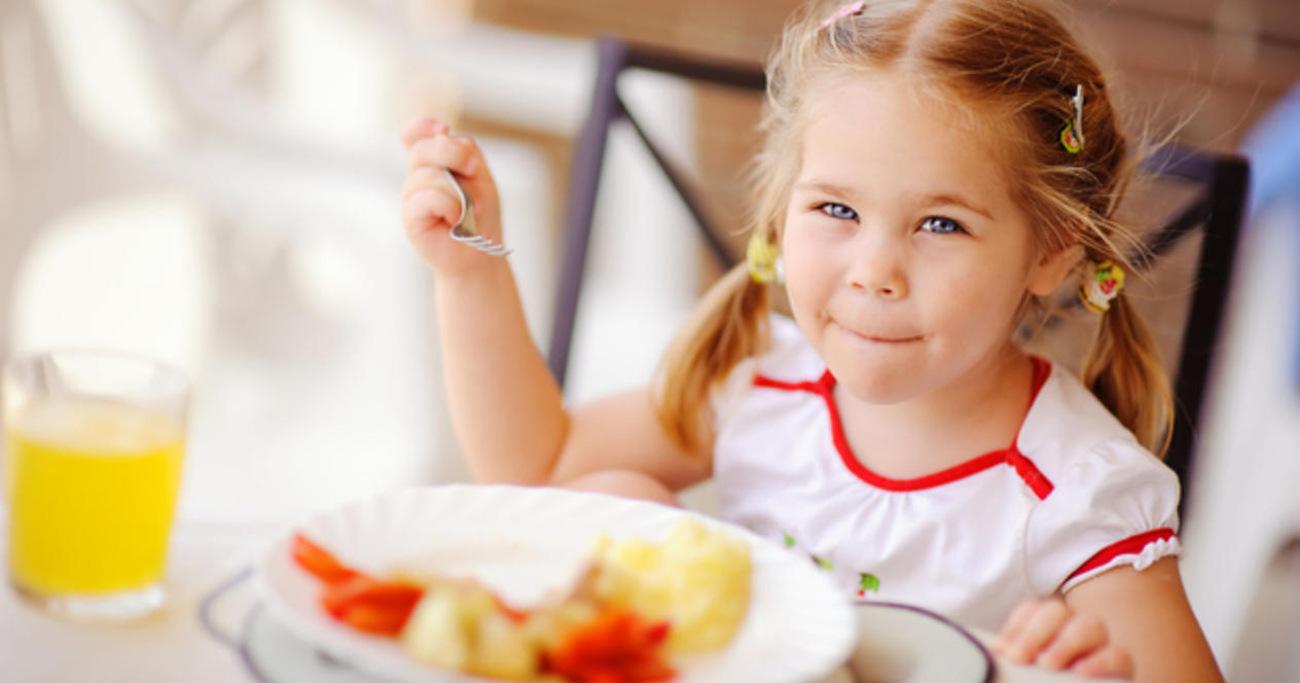 bezpieczne dziecko dzięki piekarnikowi Amica AMMB44E1GCW