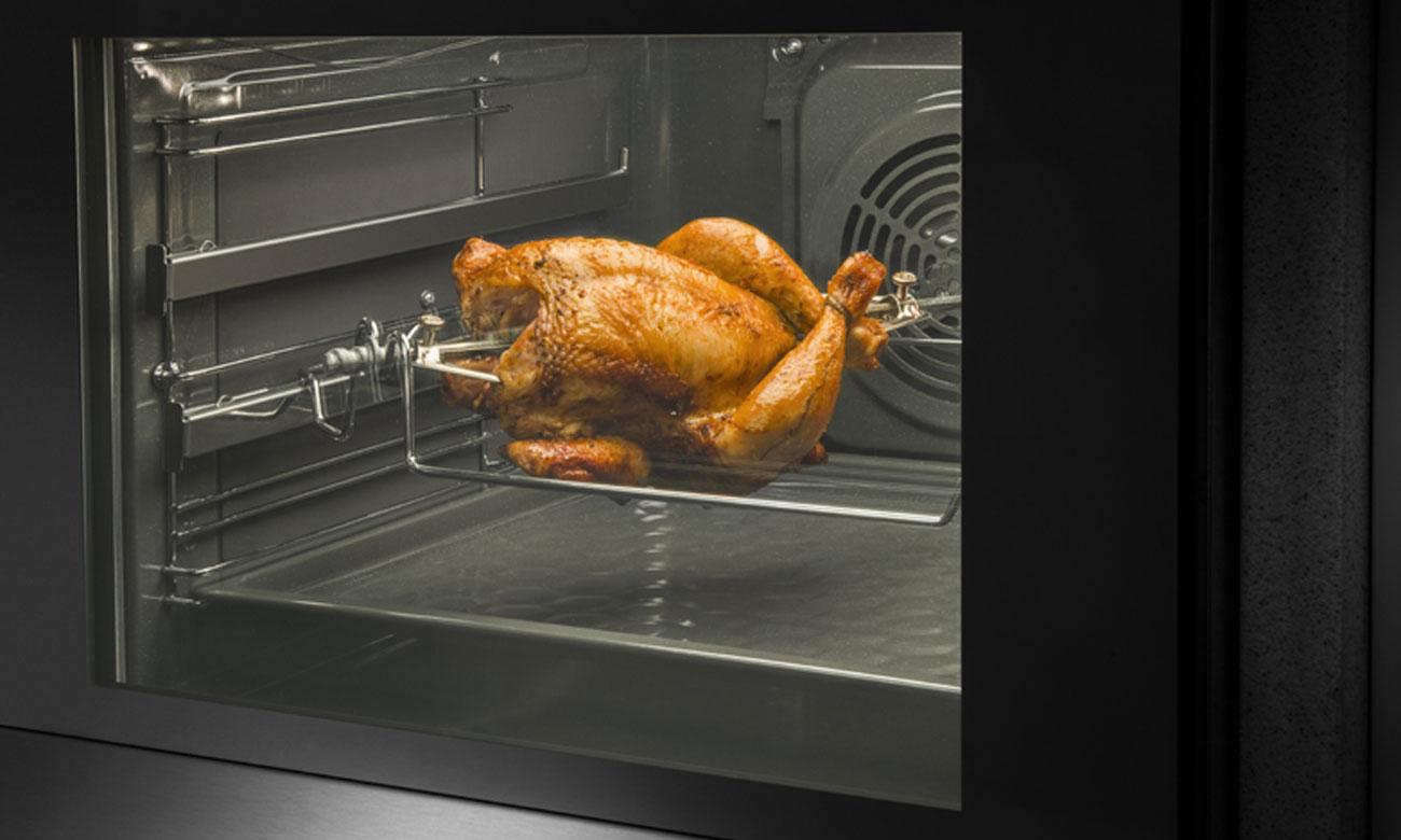 Szuflada na akcesoria kuchenne w Beko CSM52327DW