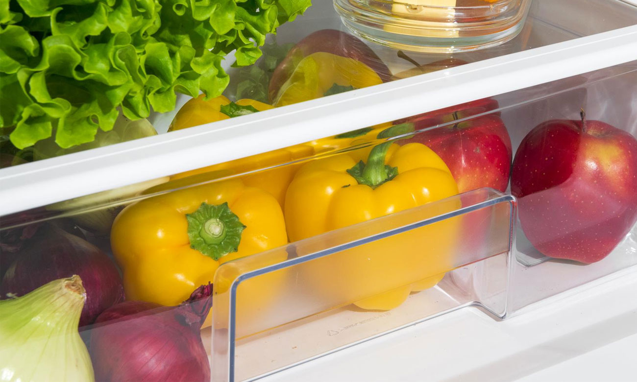 Szuflada na warzywa i owoce w lodówce Amica FK239.3