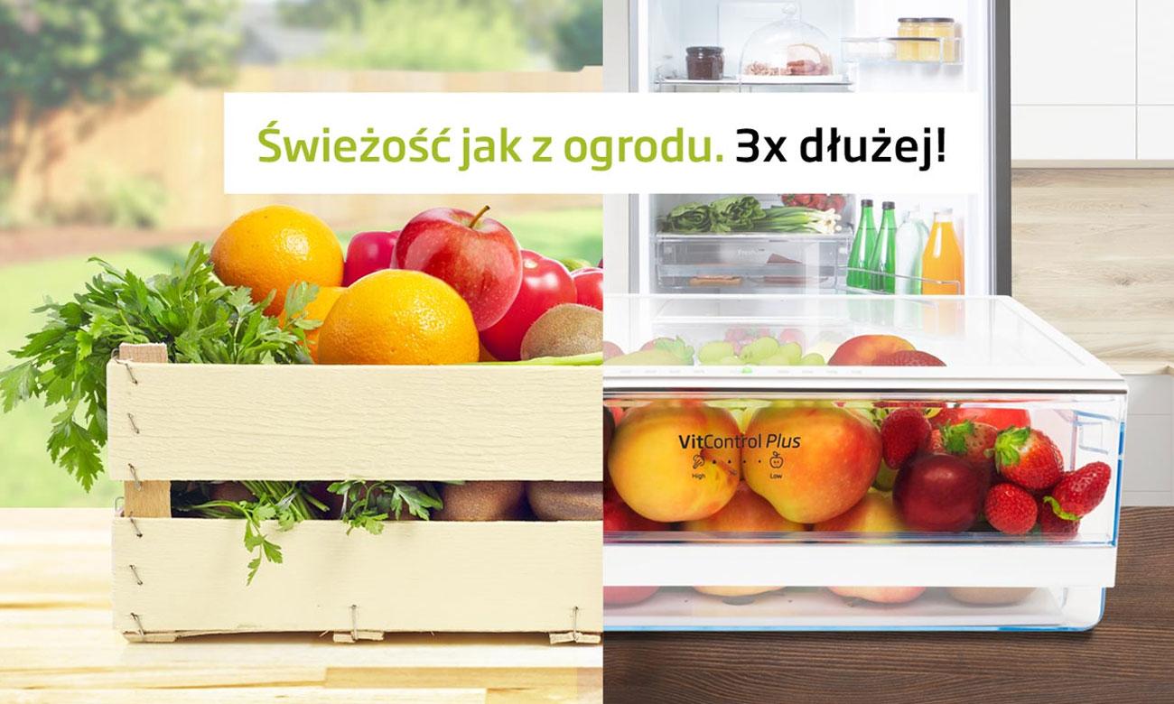 Dłuższa świeżość warzyw i owoców, dzięki pojemnikowi Vit Control Plus w lodówce Amica FK2995.2FTX