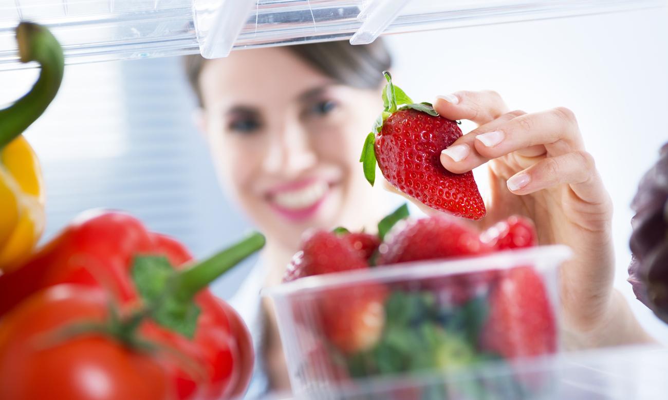 Ochrona żywności, dzieki uszczelce antybakteryjnej w lodówce Beko RCSA270M21W