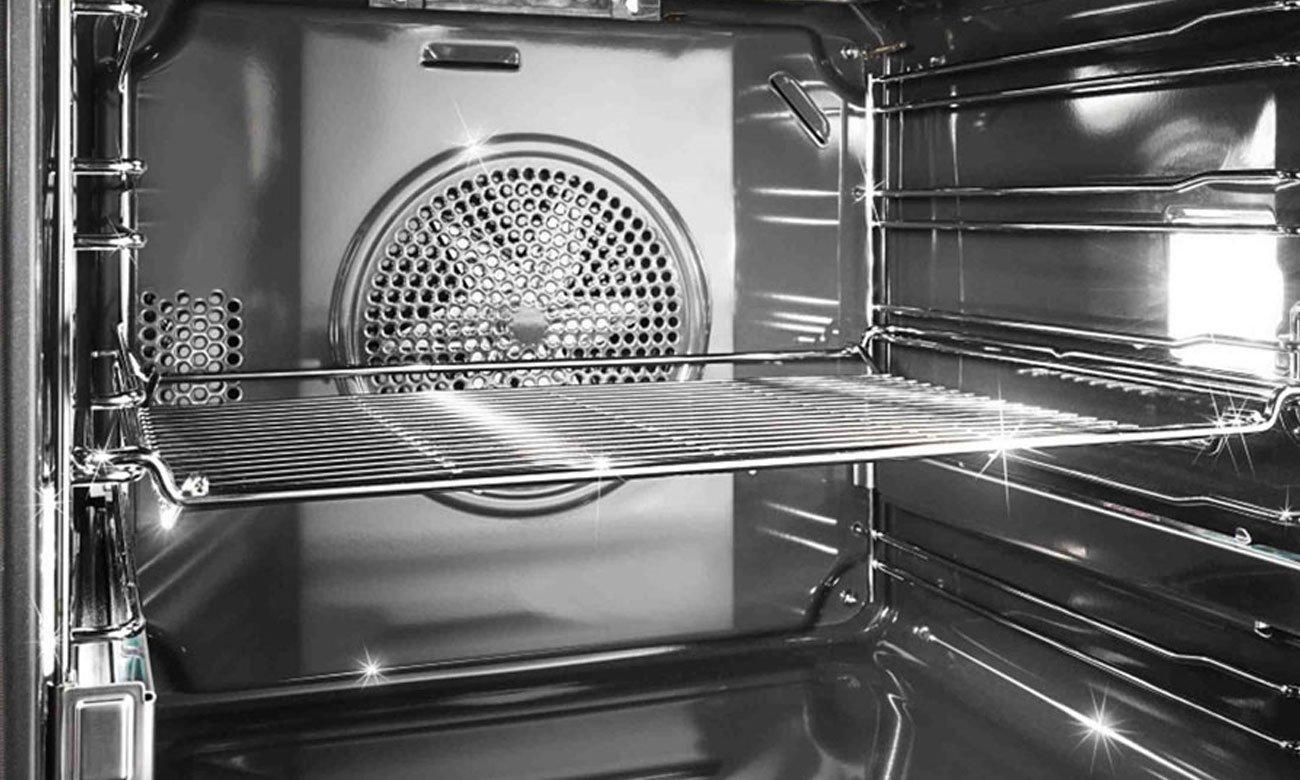 Łatwe czyszczenie wnętrza piekarnika, dzięki technologii EcoClean Direct w piekarniku Bosch HBA554YS0