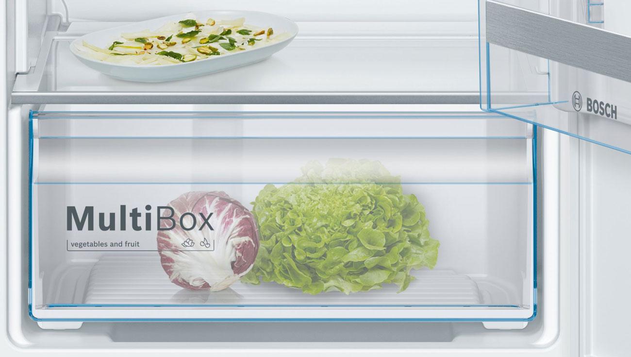 Lodówka Bosch KIL42VF30 ma specjalną szufladę na owoce i warzywa