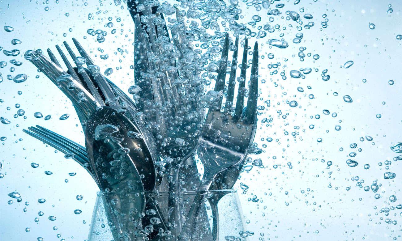 Oszczędne zmywanie naczyń, dzięki technologii ActiveWater w zmywarce Bosch SMS46JI04E