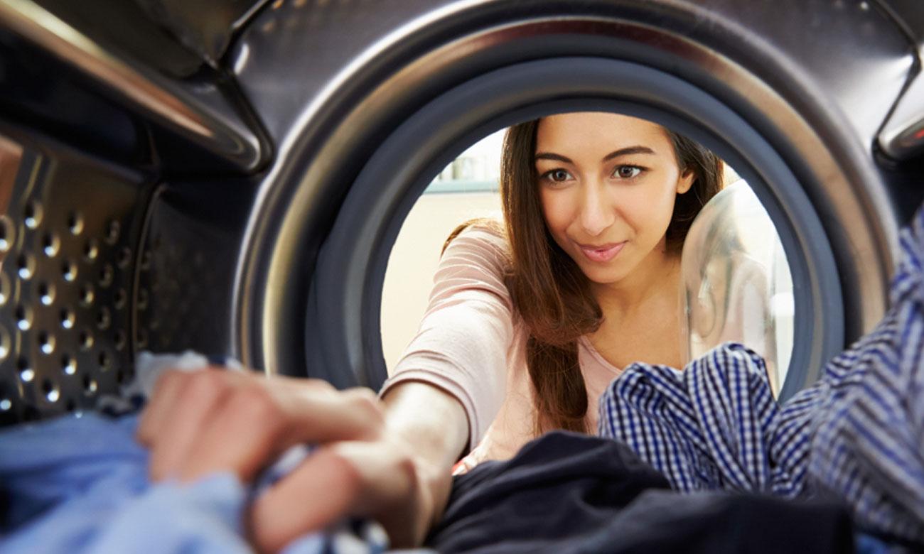 Funkcja Start/Pauza z opcją dołożenia prania w Bosch WAN24240PL