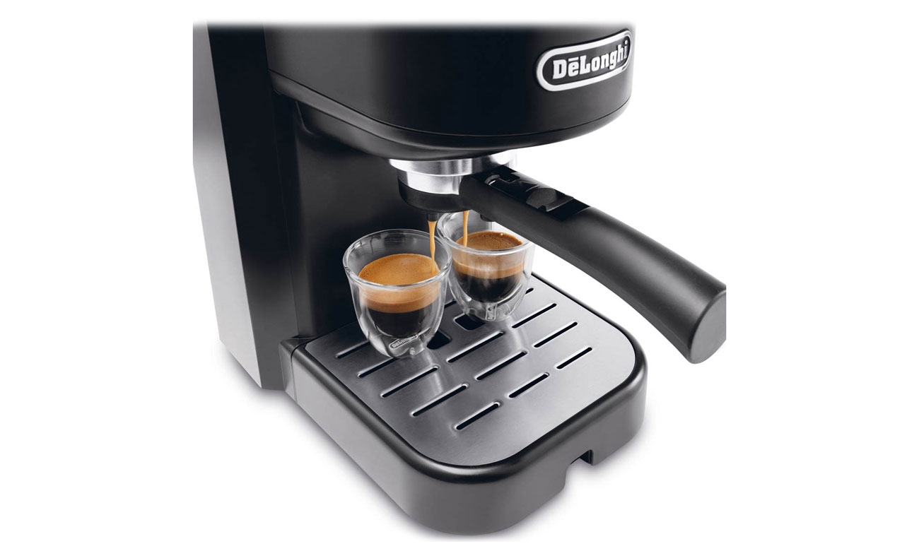 Ekspres do kawy DeLonghi EC 251.B z łatwym sterowaniem i możliwością przygotowania 2 espresso jednocześnie