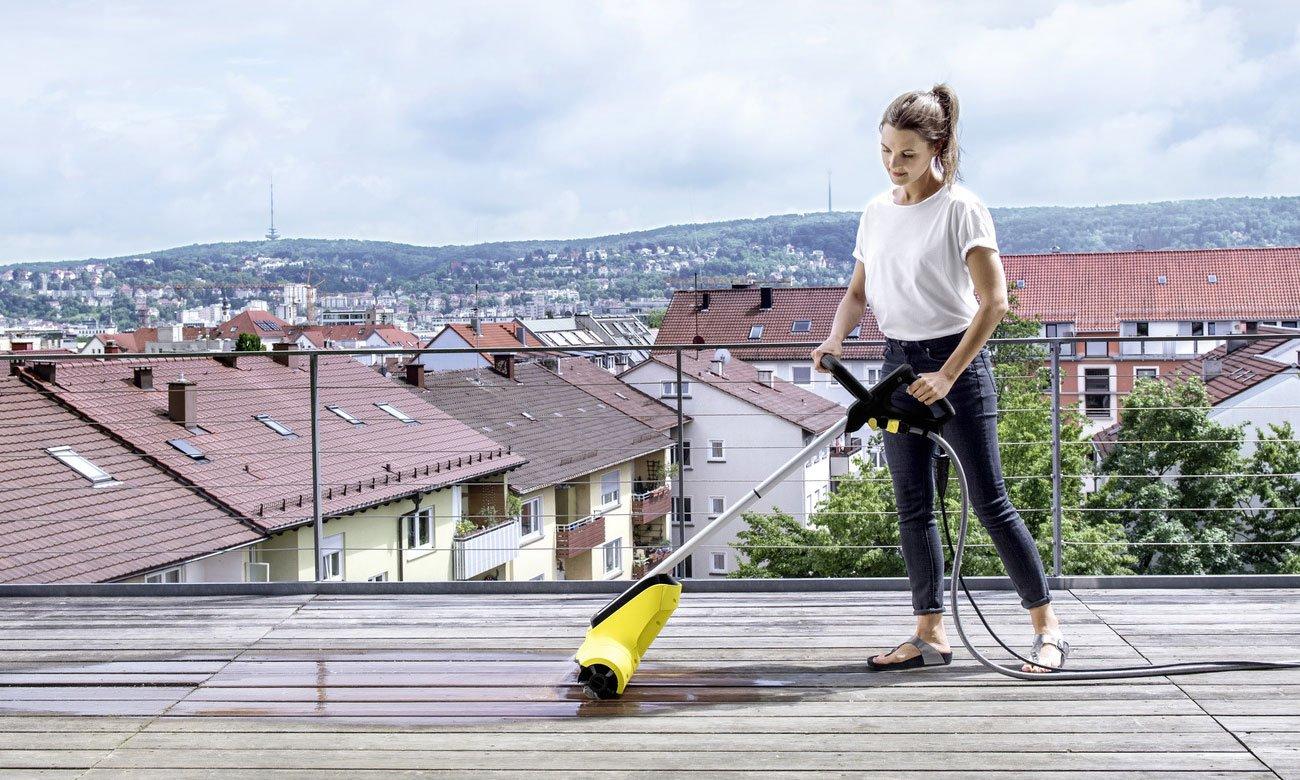 urządzenie do czyszczenia powierzchni drewnianych Karcher PCL 4 jest łatwe w obsłudze