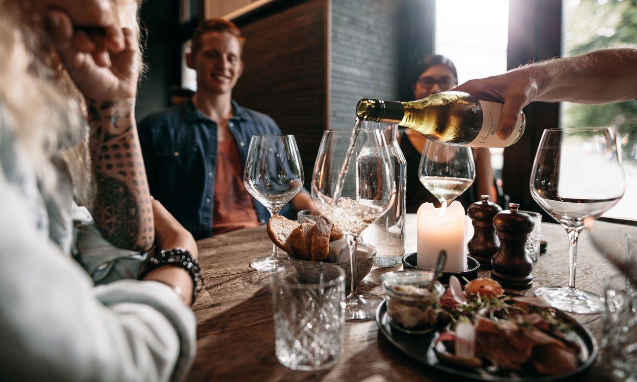 Chłodziarka do wina Midea HS-169WEN winiarka wyświetlacz i regulacja temperatury