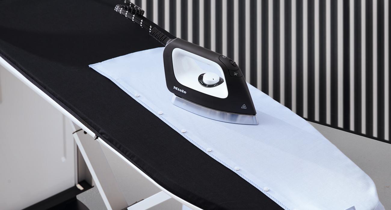 Innowacyjny system prasowania z wyświetlaczem Miele FashionMaster B 3312 4002515781173