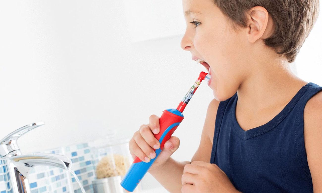 Szczoteczka elektryczna Oral-B Vitality D12 Kids Cars