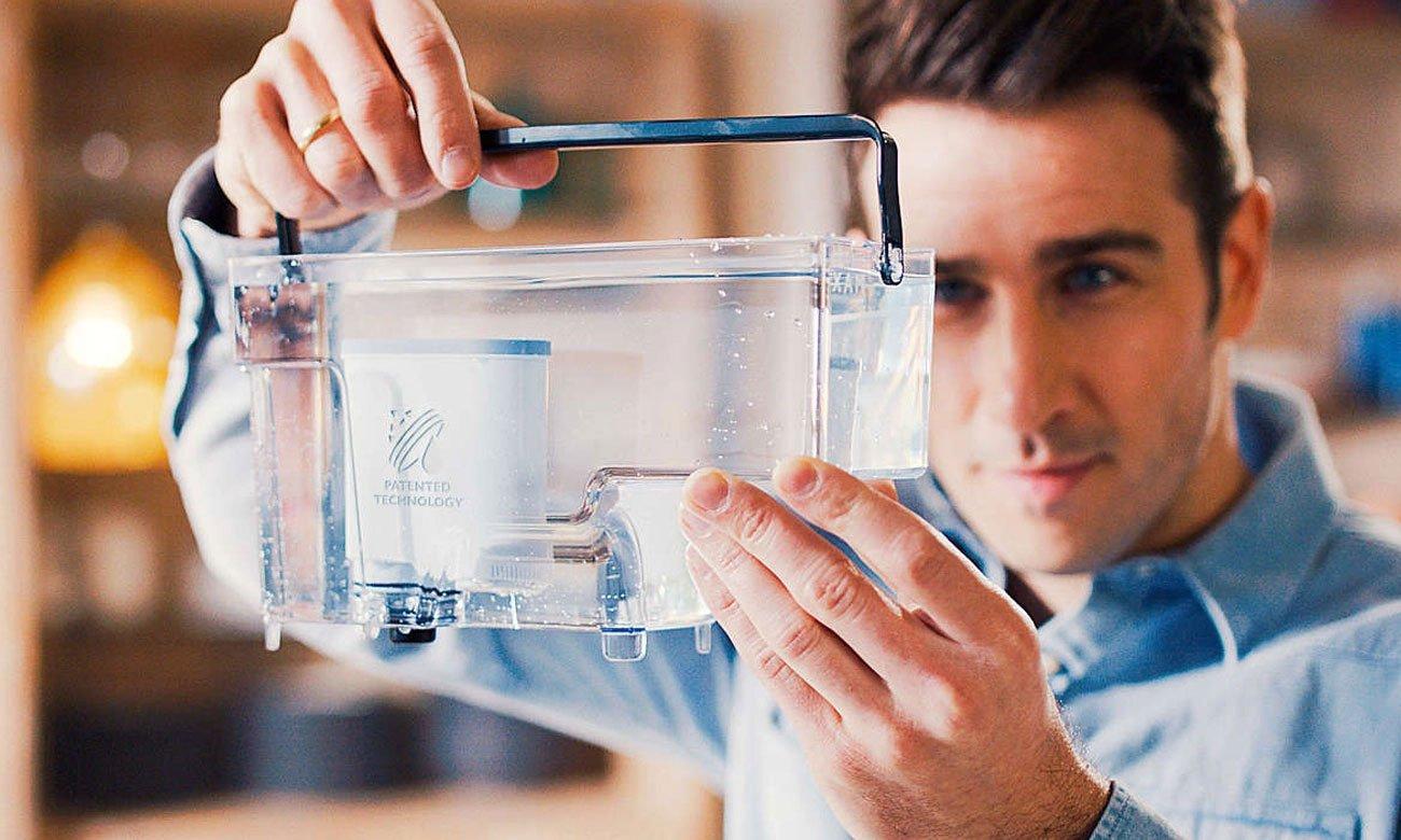 Ekspres do kawy Philips EP2235/40 ma filtr aquaclean oraz funkcję automatycznego czyszczenia