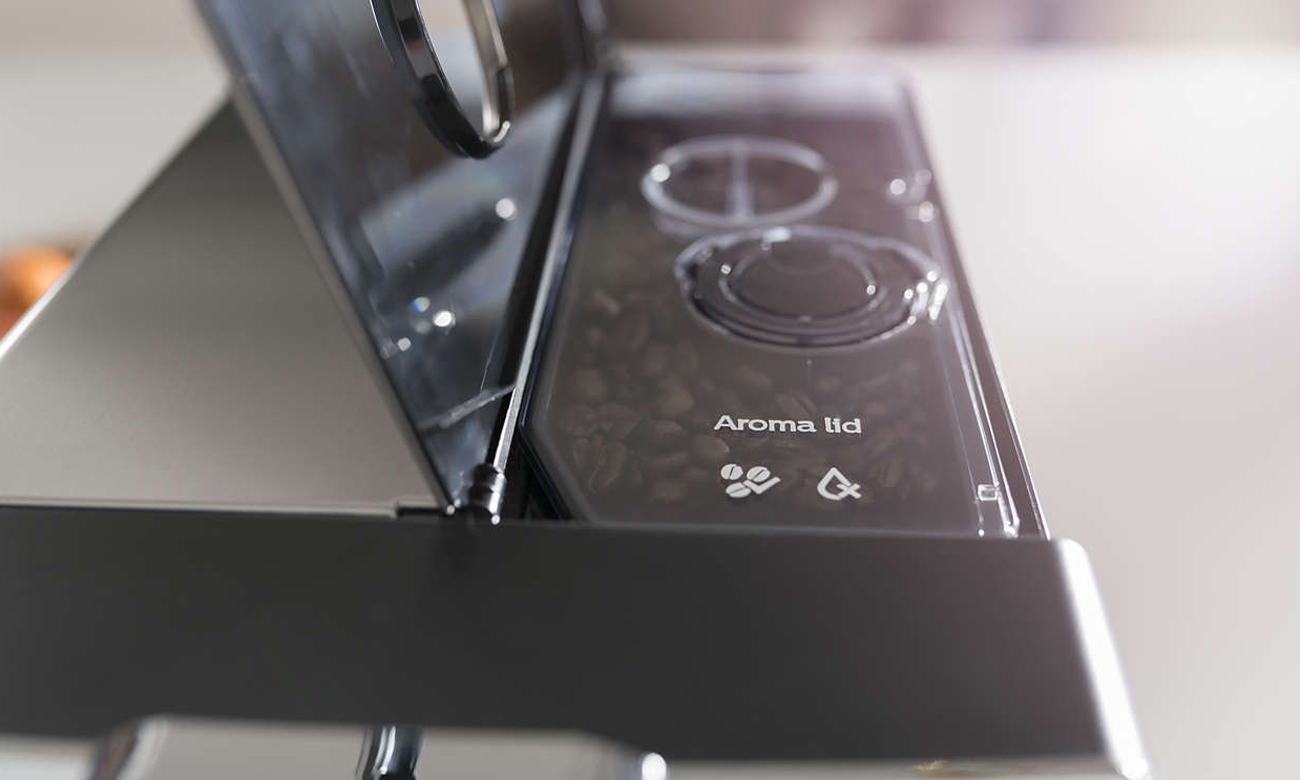 Ekspres do kawy Philips EP5361/10 z funkcją Aroma utrzymującą świeżość ziaren kawy