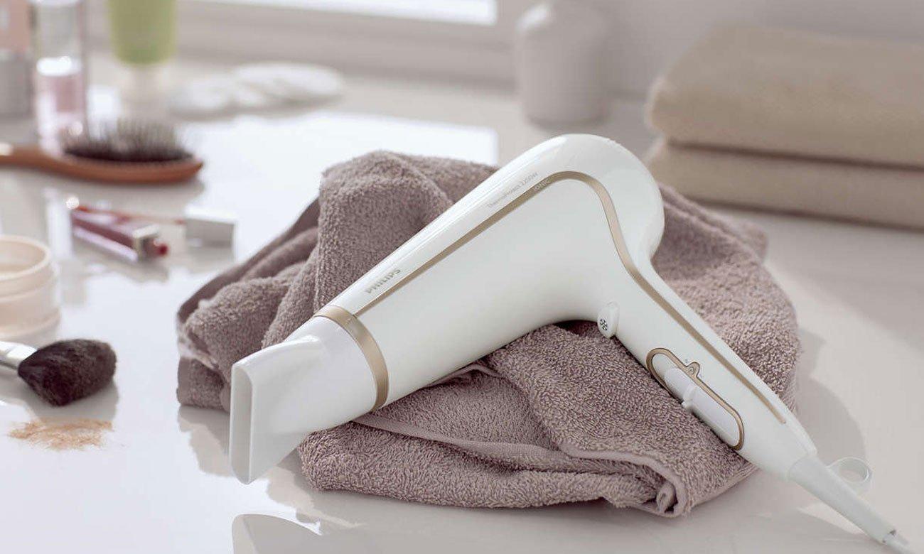Suszarka do włosów Philips ThermoProtect HP 8232/00 Ionic biała duża moc nadmuchu