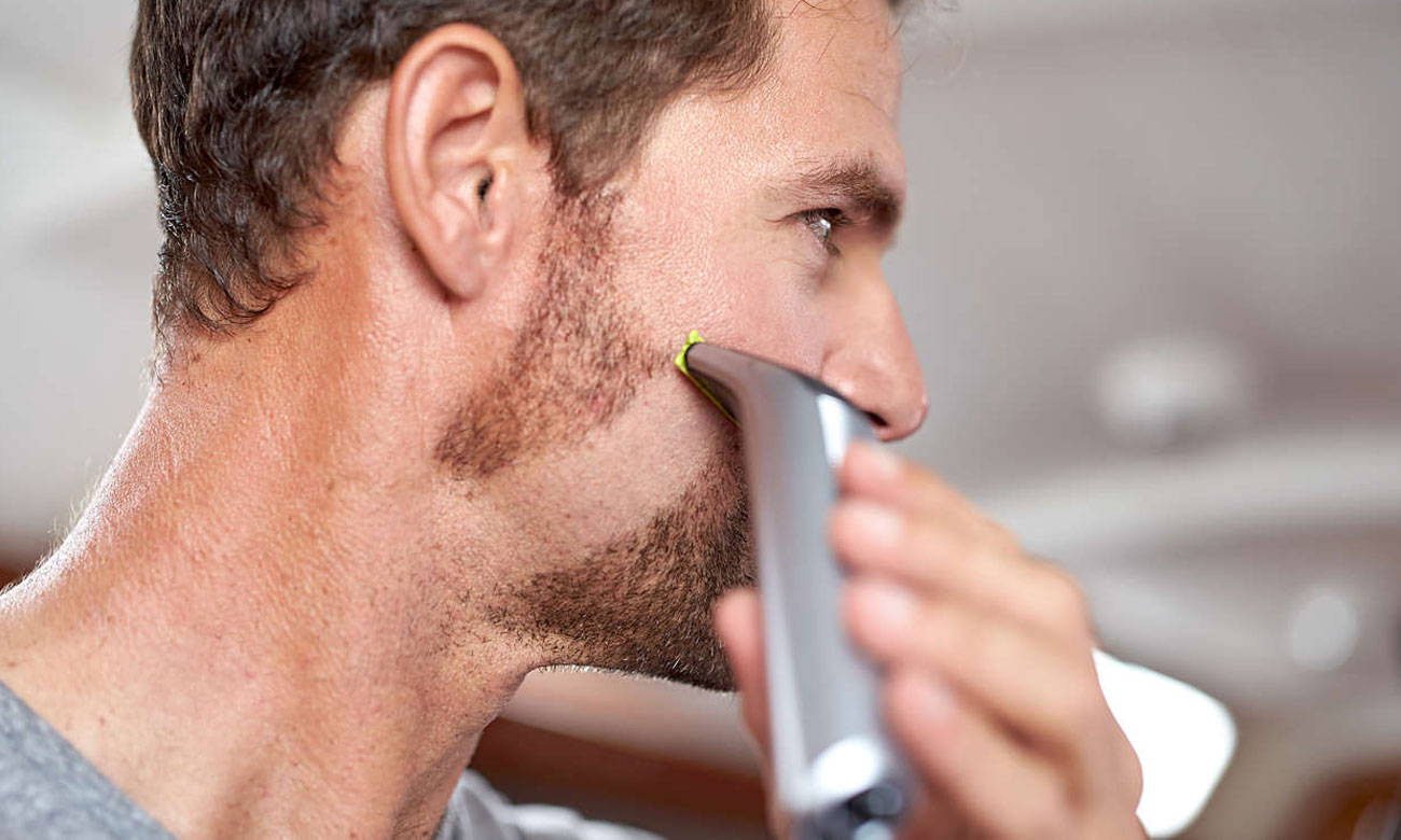 Golarka męska Philips OneBlade Pro QP6520/20 dopasowuje się do kształtu ciała