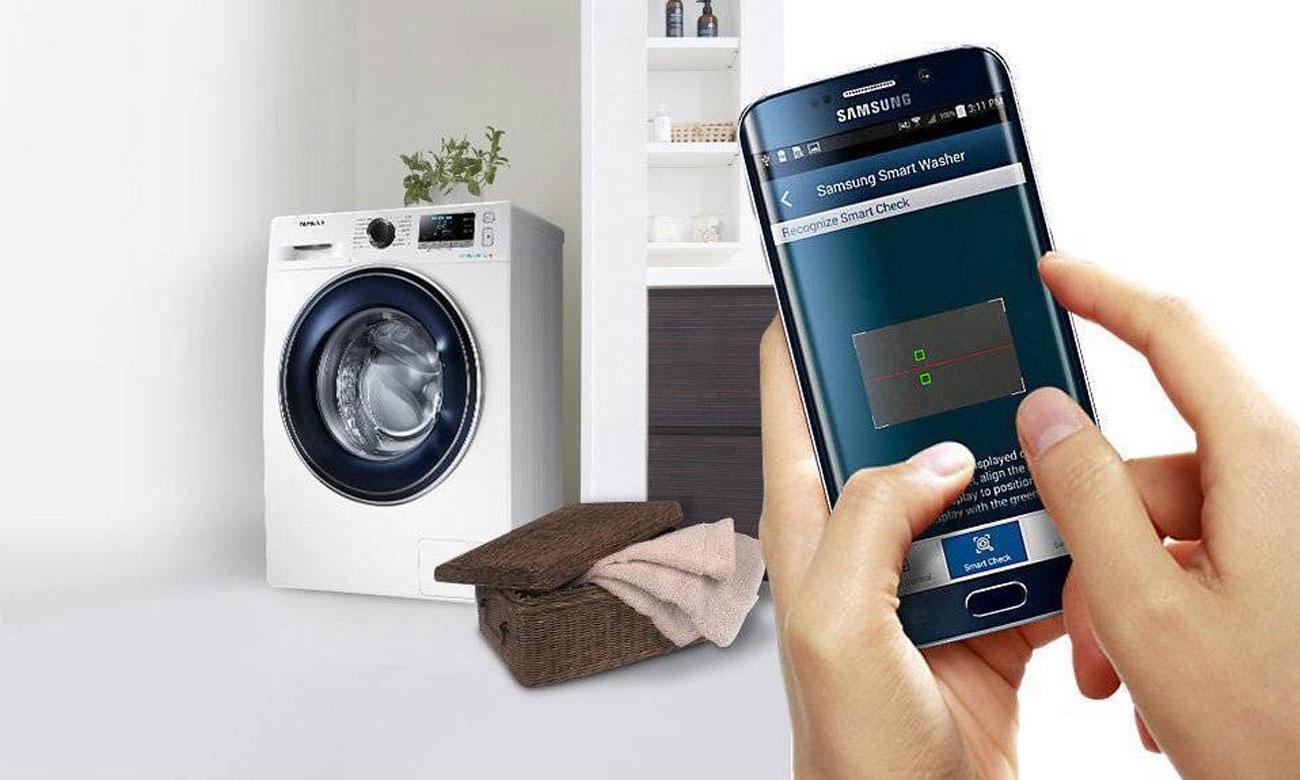 Łatwe rozwiązywanie problemów, dzięki technologii Smart Check w suszarce do ubrań Samsung DV90M52003W