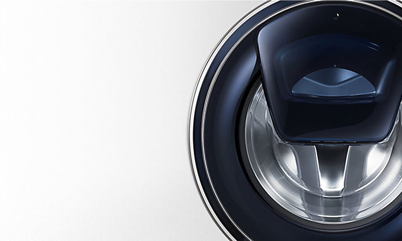 Szeroki zakres otwierania drzwi w pralce Samsung WW60K42138W