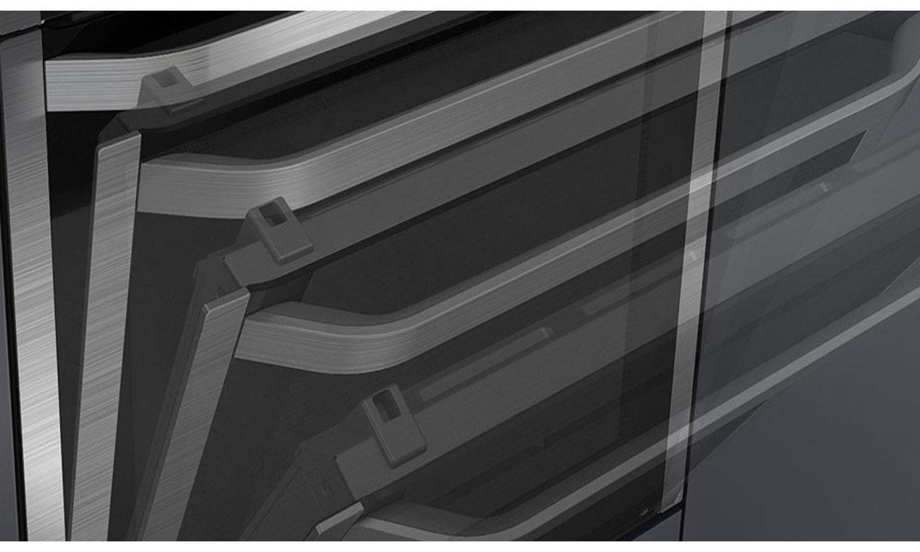 drzwi piekarnika Siemens HM638GRS1 otwierają i zamykają się lekko i cicho