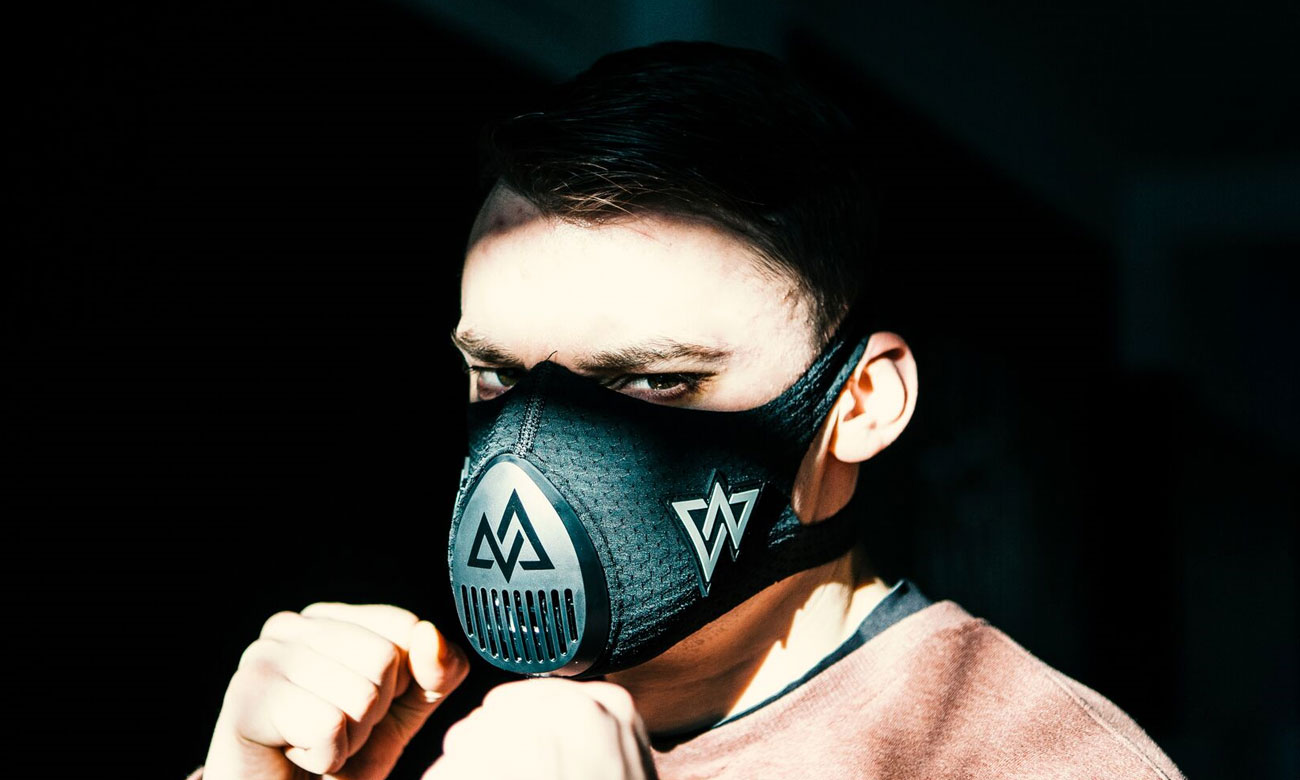 Maska sportowa Training Mask 3.0 wykonana jest z wytrzymałych materiałów
