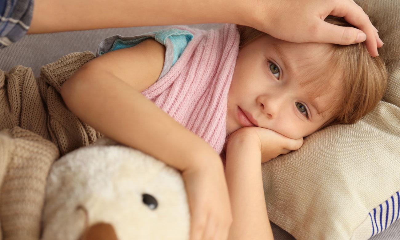 Mierzenie temperatury dziecku