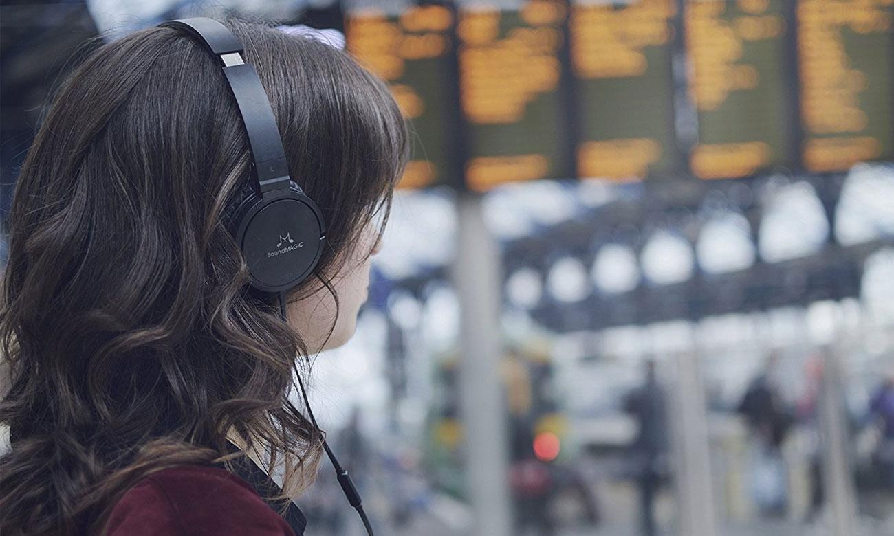 Słuchawki nauszne o basowy brzmieniu SoundMagic P21