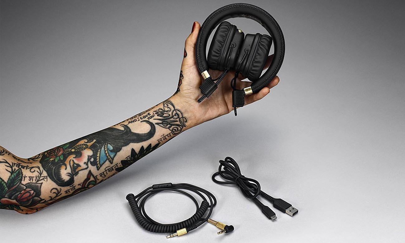 Odpinany, dwustronny kabel w słuchawkach Marshall Major II Black BT