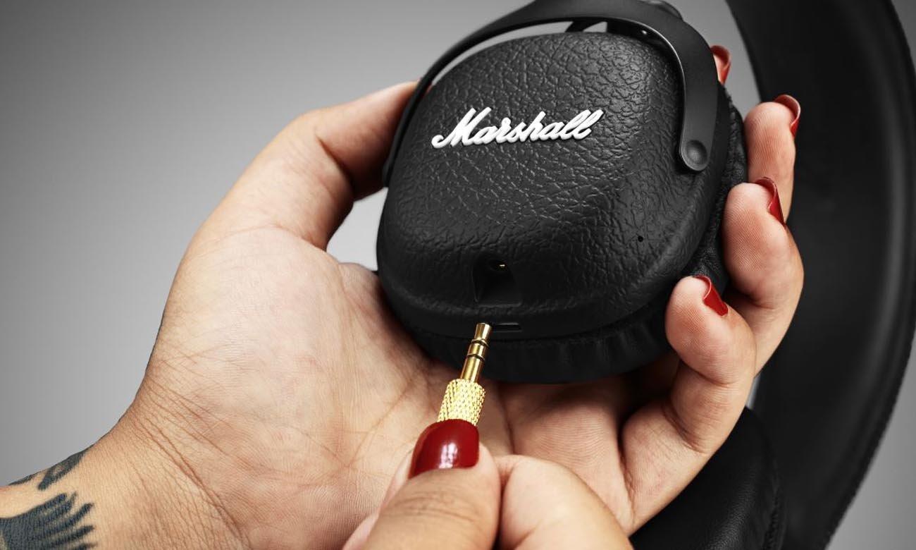 Odpinany, dwustronny kabel w słuchawkach Marshall Mid Black BT