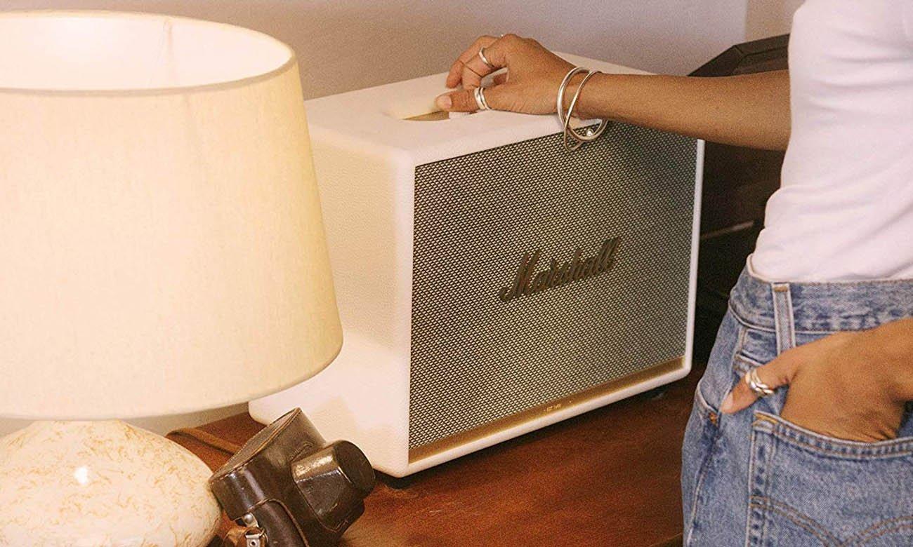 Klasyczny design głośnika Marshall Woburn II White