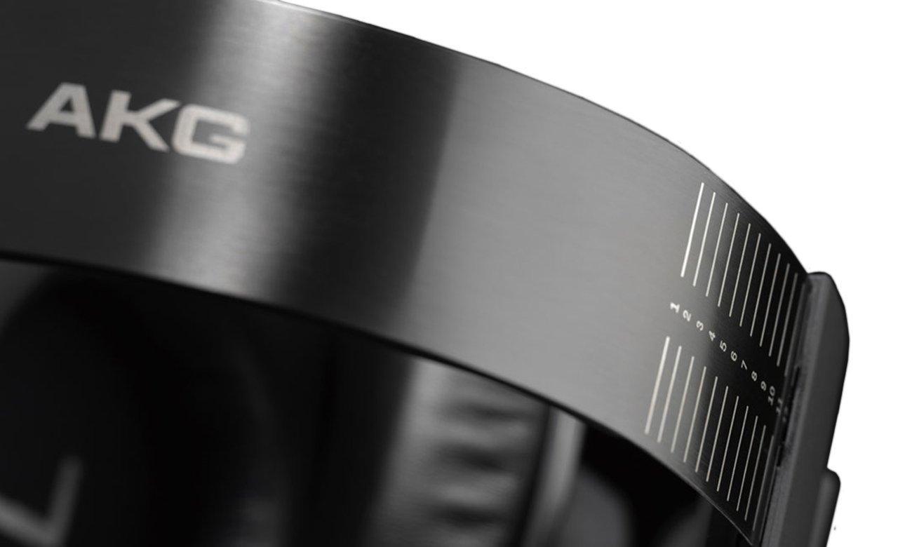 WElegancki wygląd słuchawek AKG K550 MK III