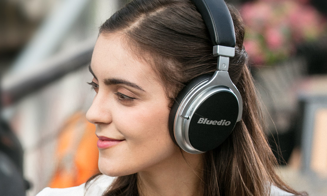 Wydajna bateria w słuchawkach Bluedio F2