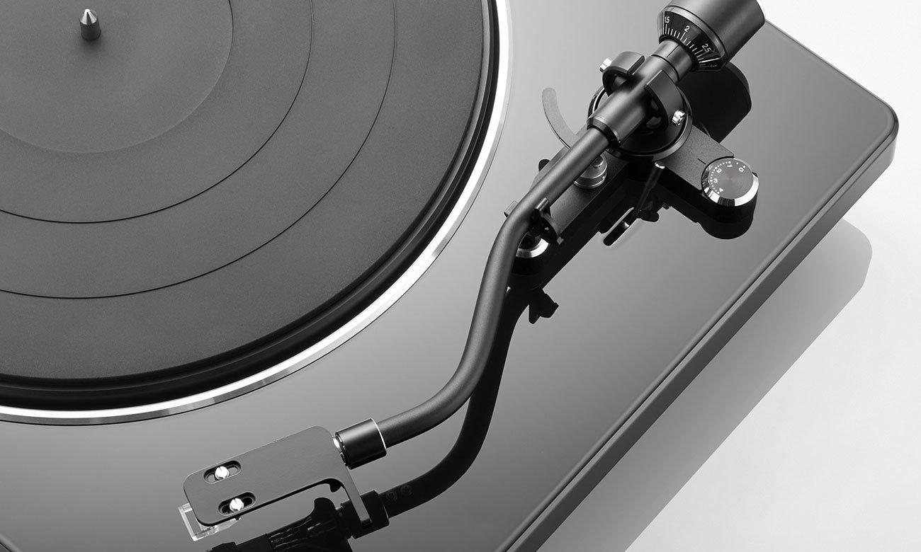 Automatyczne ramie w gramofonie Denon DP-400