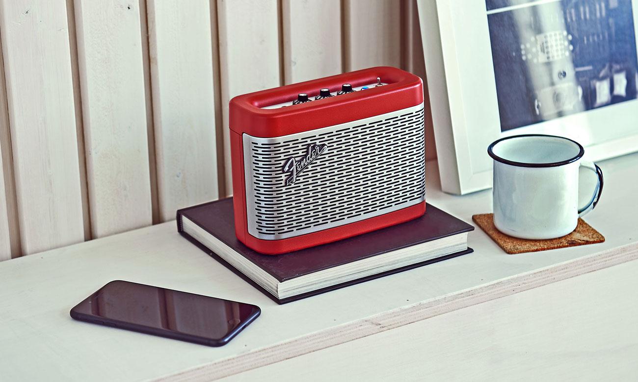 Niewielki głośnik przenośny Fender Newport Dakota Red