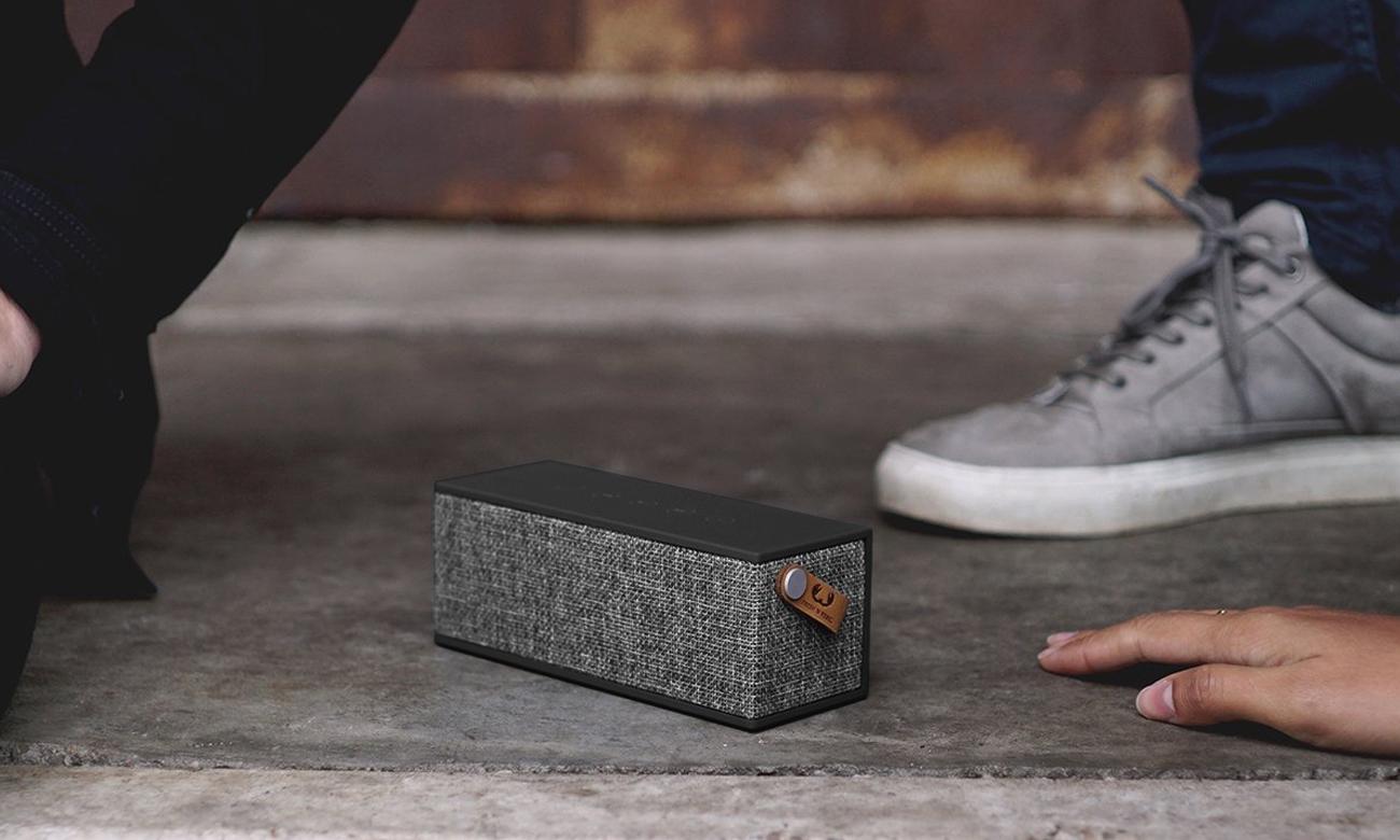 Głośnik bezprzewodowy Rockbox Brick Fabriq Edition czrno-szary 1RB3000CC